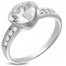 Inel de logodnă cu un zirconiu mare și opt zirconii mici
