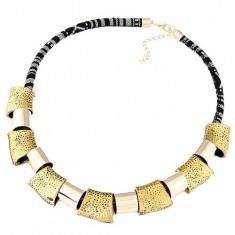 Colier masiv - şnur alb cu negru, forme geometrice lucioase, aurii