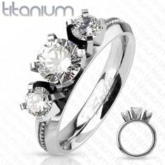 Inel din titan, argintiu, trei zirconii rotunde transparente, luciu intens
