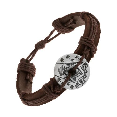 Bijuterii eshop - Brăţară maro realizată din piele sintetică şi şnururi, cerc cu decupaje şi modele Z10.07