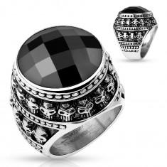 Inel din oțel patinat, piatră neagră șlefuită, contur din cranii mici