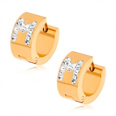 Cercei aurii din oţel, litera M albă, cu ştrasuri transparente