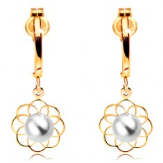 Cercei din aur galben 14K - arc lucios și contur de floare cu perlă în mijloc