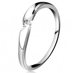 Inel cu diamant din aur alb 14K - diamant transparent într-un decupaj oblic