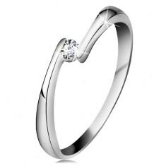 Inel din aur alb 14K - diamant transparent între capetele înguste ale brațelor