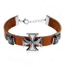 Brățară din piele artificială, maro-deschis, trei cruci Malteze de culoare argintie