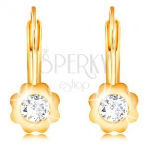 Cercei din aur galben 14K - floare cu petale netede și zirconiu