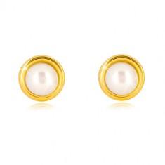 Cercei din aur 375 - perla de apă dulce de culoare albă în suport rotund, închidere de tip fluturaș