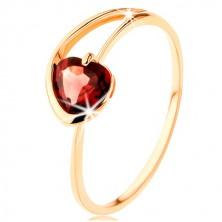 Inel realizat din aur galben de 9K - inimă din garnet roşu, braţe asimetrice