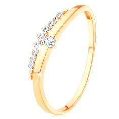 Inel de aur galben de 9K - linie netedă, ondulată cu zirconiu transparent, linie din zirconii