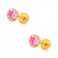 Cercei din aur galben 14K - zirconiu roz în suport, închidere de tip fluturaș, 5 mm