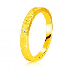 Inel din aur galben de 14K - crestături fine, diamant clar strălucitor, 1,3 mm