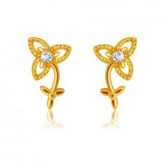 Cercei cu diamante din aur galben de 14K - floare cu tulpină și frunze, diamant strălucitor