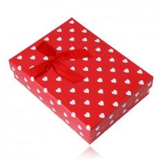 Cutie cadou pentru un lanț sau set - inimi albe, fundal roșu